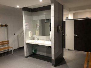 vestiaire spacieux douches plancher chauffant